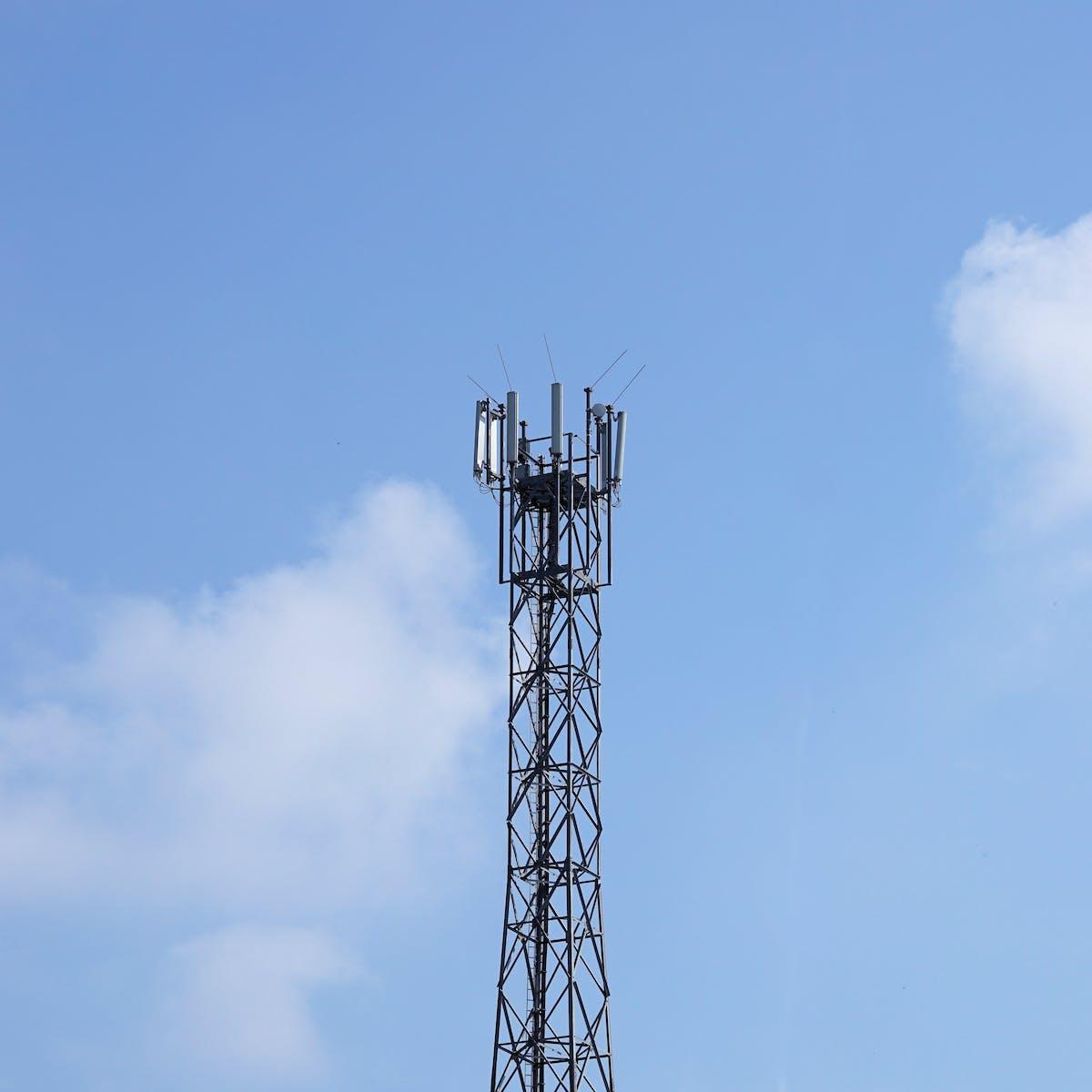 Titelbild-6G-Funkmast-Sendemast-Antenne-Sendemast-Funkantenne-pixabay-2817422-webandi