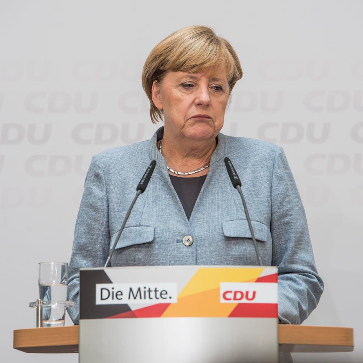 Titelbild-Angela-Merkel-CDU-Digital-Gipfel-pixabay-3464284-Berlinerfotograf
