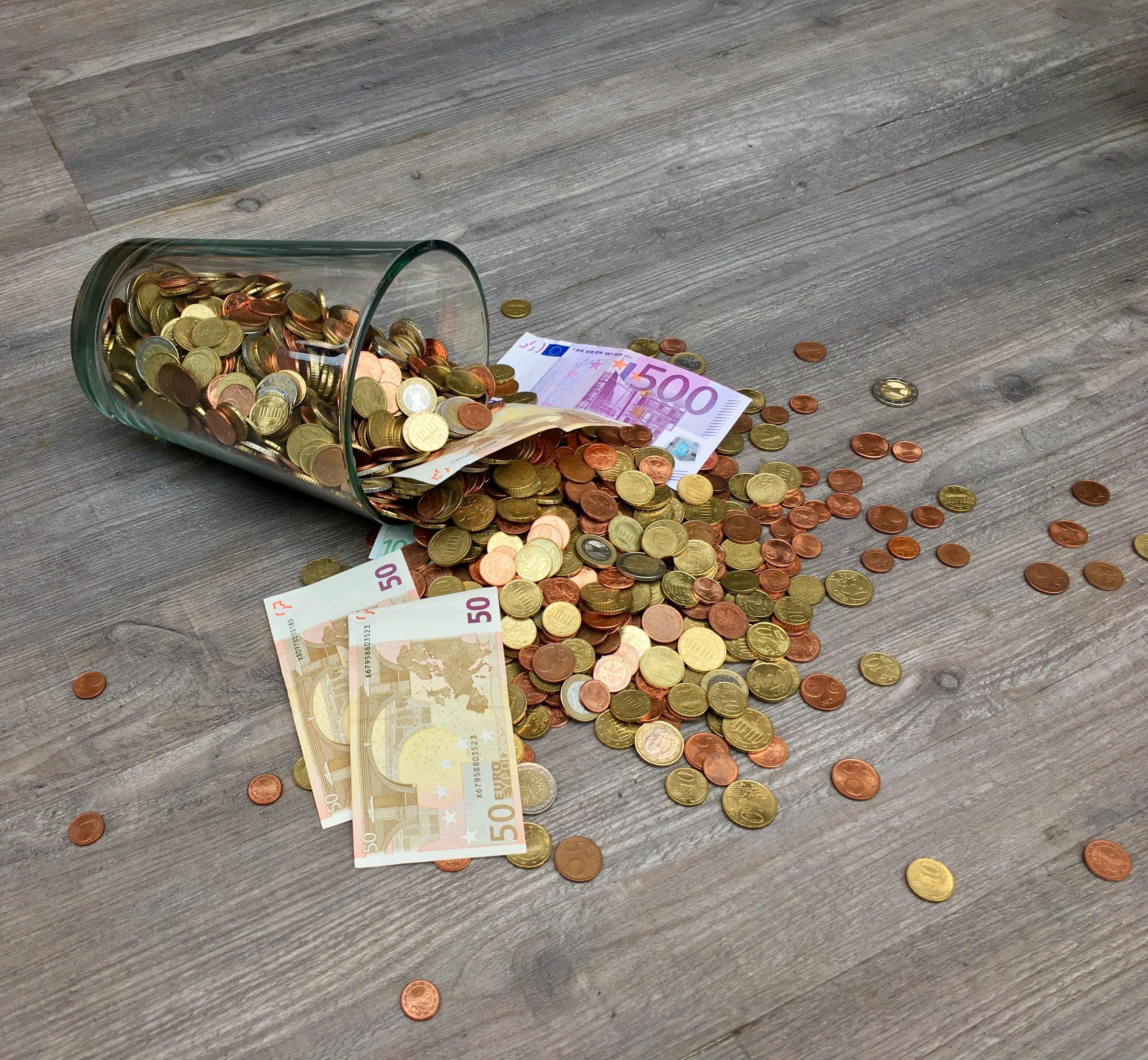 Titelbild-Banknoten-Bezahlen-Euro-Cent-Geld-Vergütungsmanagement-pexels-210679-Pixabay