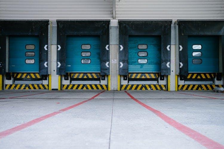 Titelbild-Logistik-Wareneingang-Liefer-Rampe-1504376830547-506dedfe1fe9