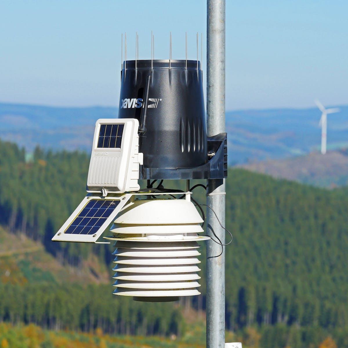 Titelbild-Messgerät-Luftmessung-Luftreinhaltung-Messstation-KI-Breeze-pixabay-2873935-hpgruesen