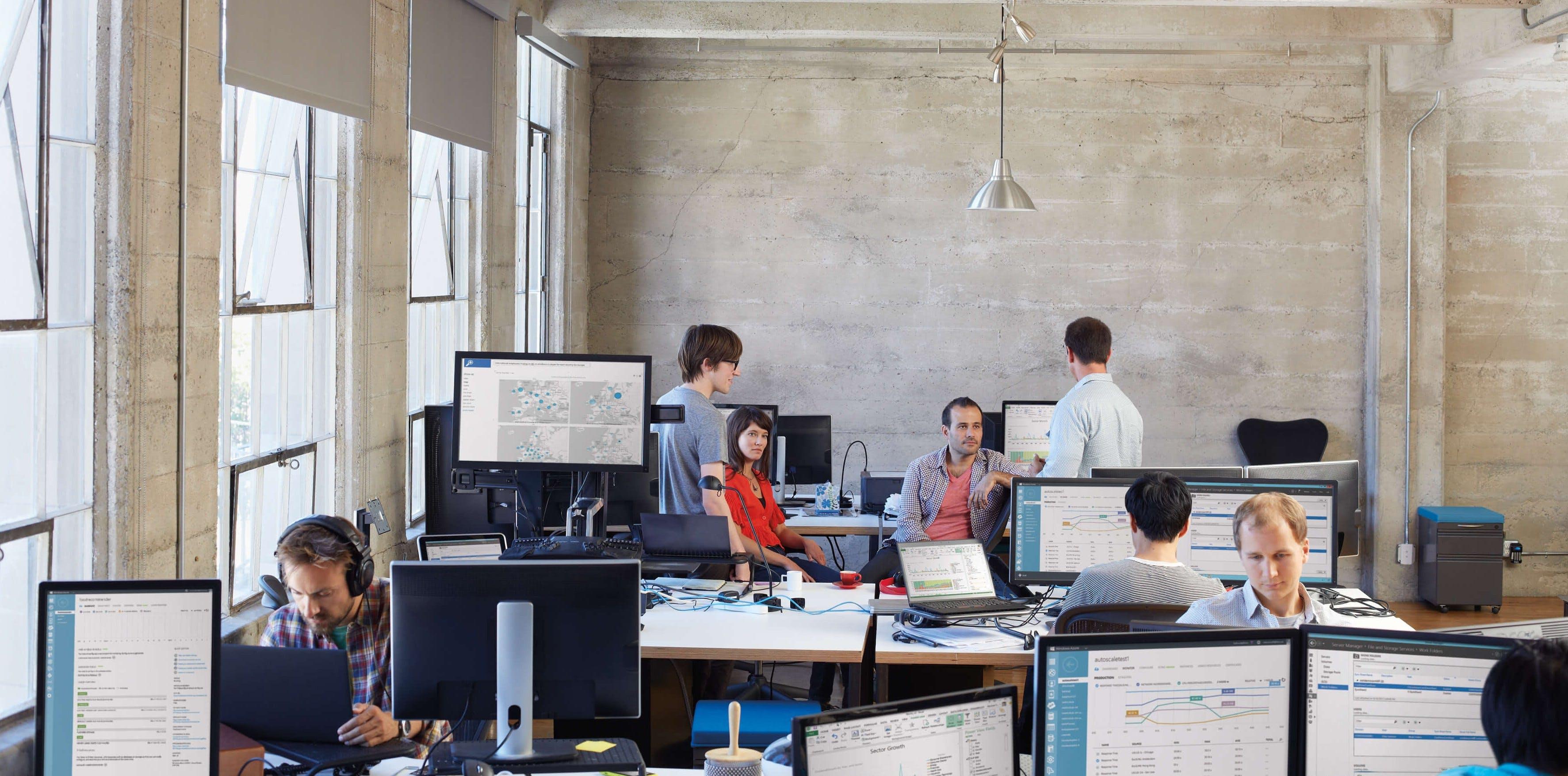 Titelbild-Office-Start-up-Industriehalle-Meeting-Coworking-iStock-1507115119561