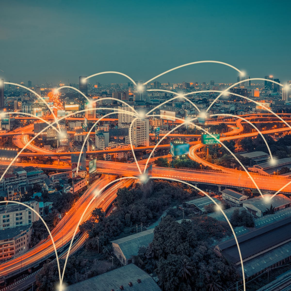 Titelbild-Skyline-Digital-Traffic-Vernetzung-iStock-621358098-cofotoisme