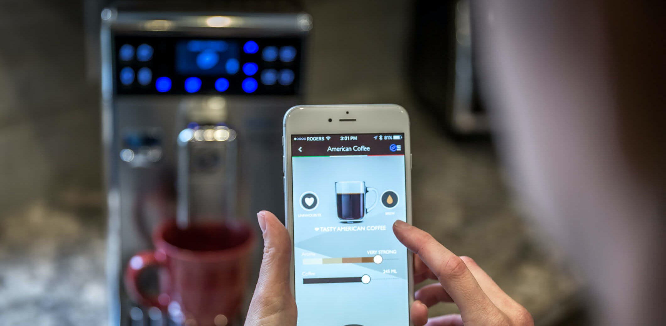 Titelbild-Smartphone-Kaffee-Automat-App-iStock-517344758
