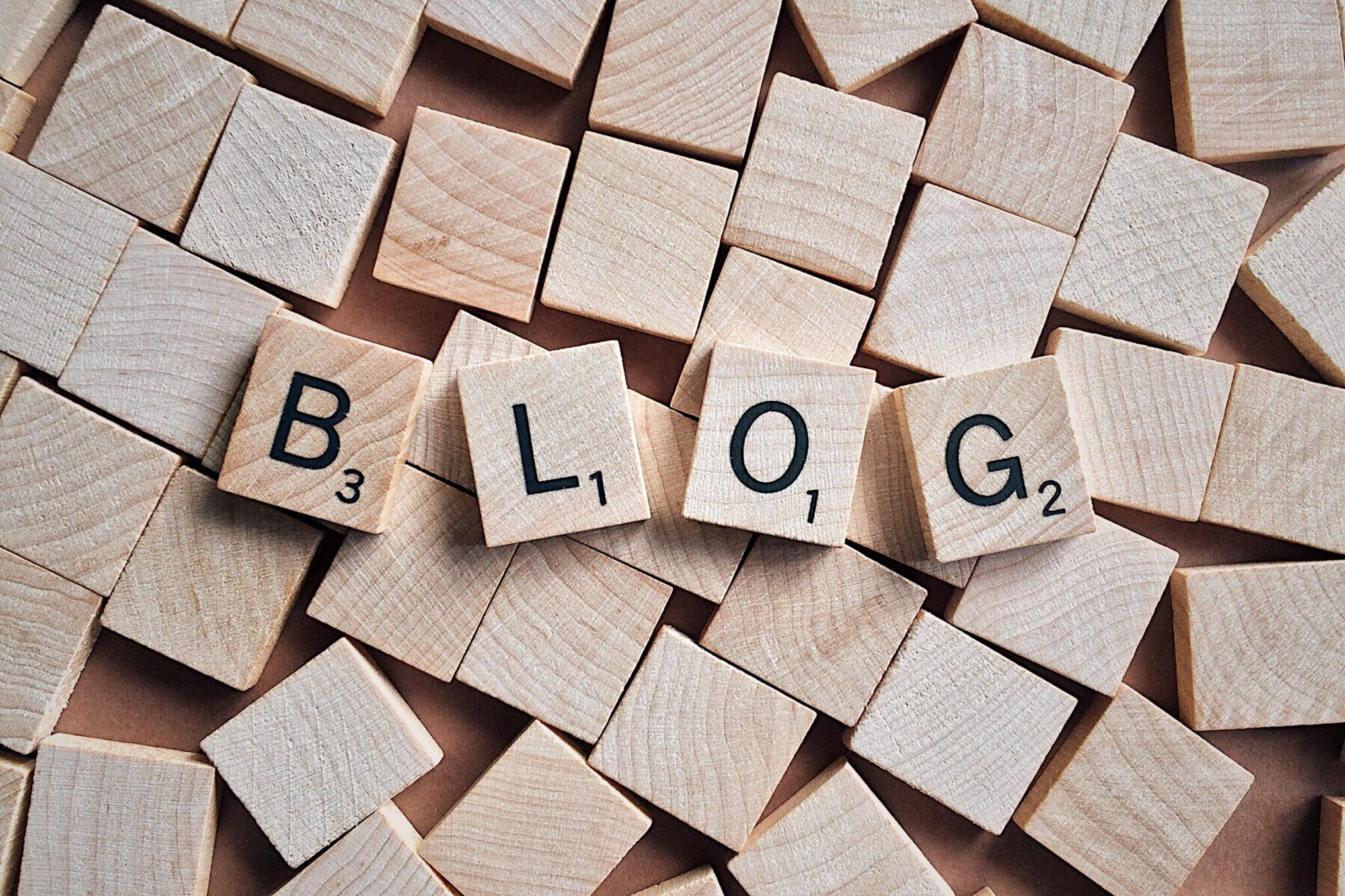 3-Titelbild-Unternehmensblog-Blog-Scrabble-pixabay-2355684-Wokandapix